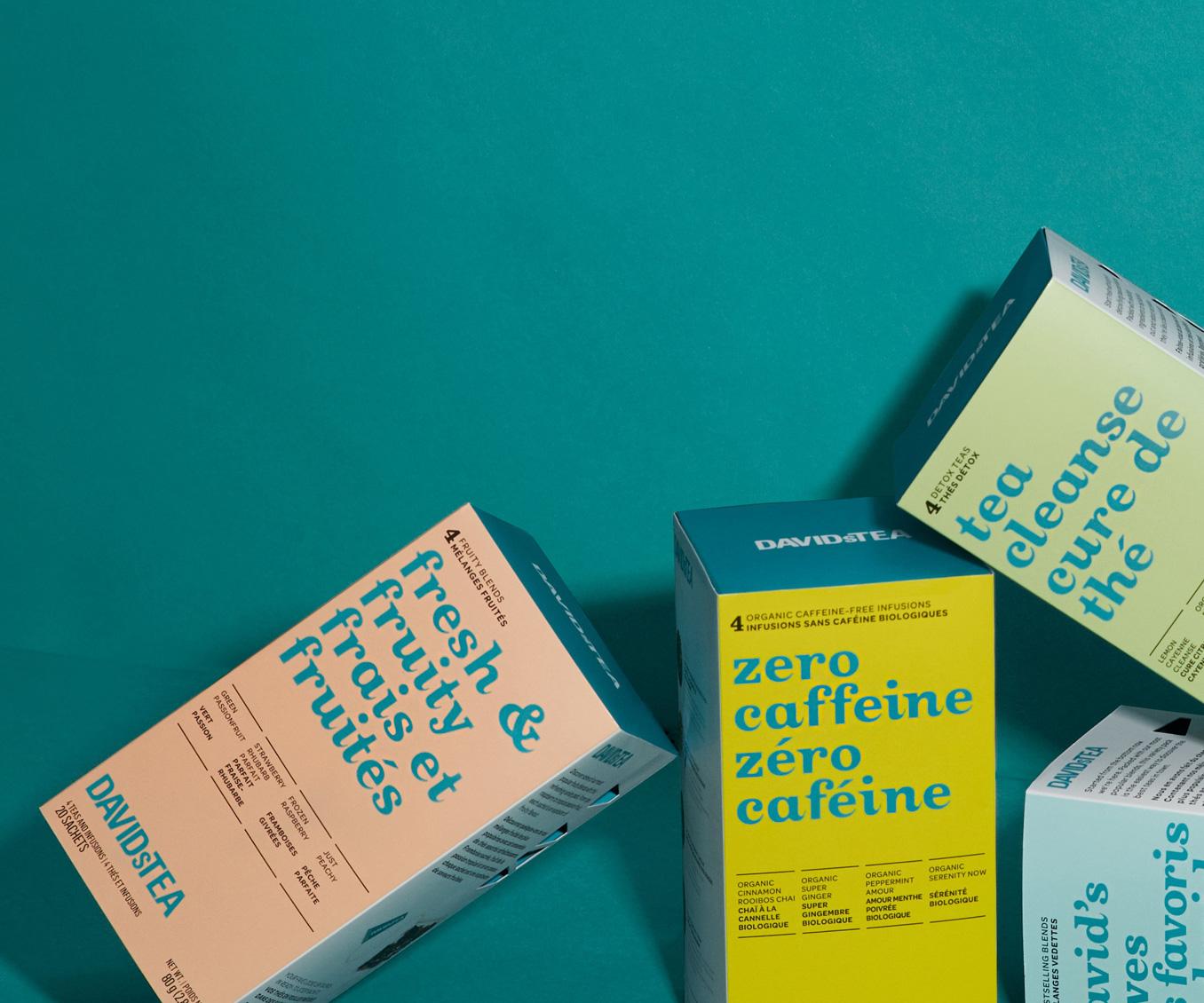 Diverses boîtes de 20 sachets de thés placées à l'horizontale et à la verticale.