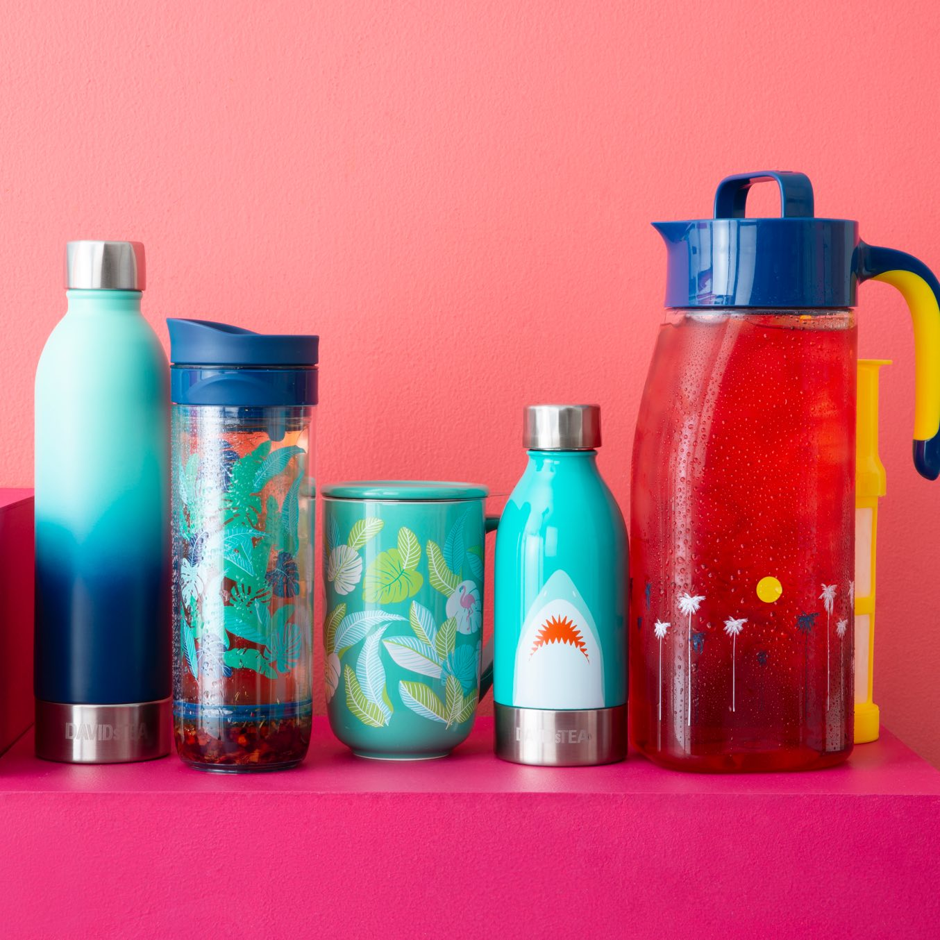 16 oz tea bottle, 16 oz travel mug with leaf print, 16 oz ceramic mug, 10 oz stainless steel bottle, 2L iced tea pitcher.